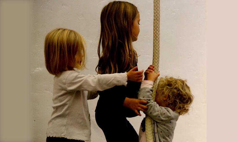 Enfant pendant cours de cirque à Faun