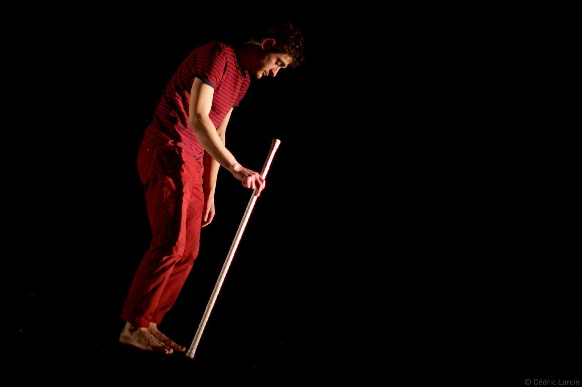 Specatcle jonglage avec baton